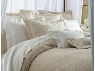 Lucia Coverlet